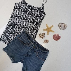 Outfit LEVIS cutoffs and Tank